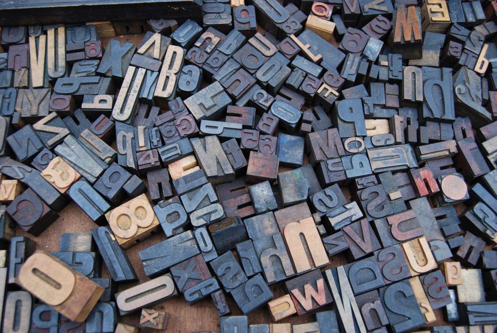 Caractères typographiques en plomb